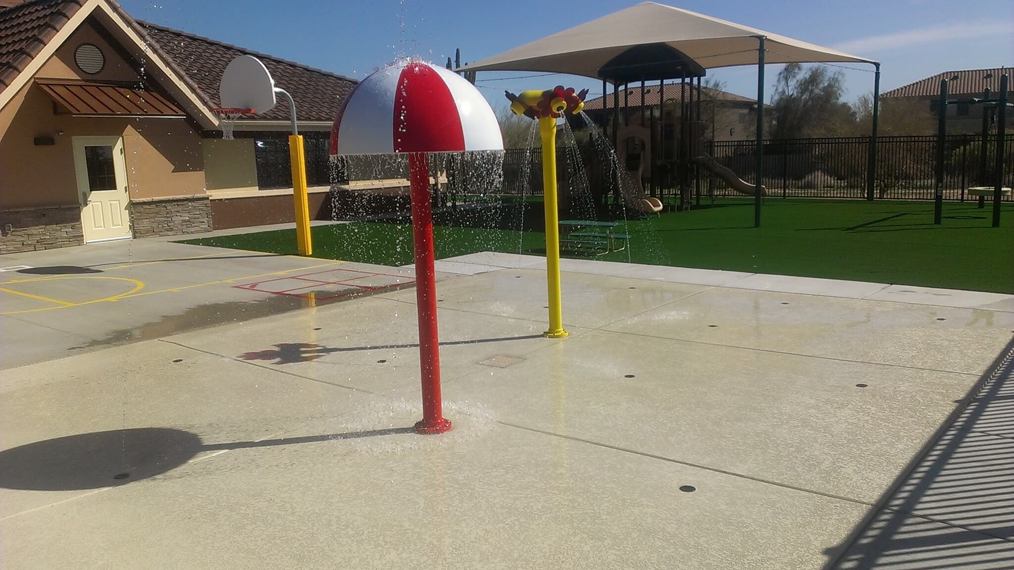 An awesome splash pad located in the Peoria area.