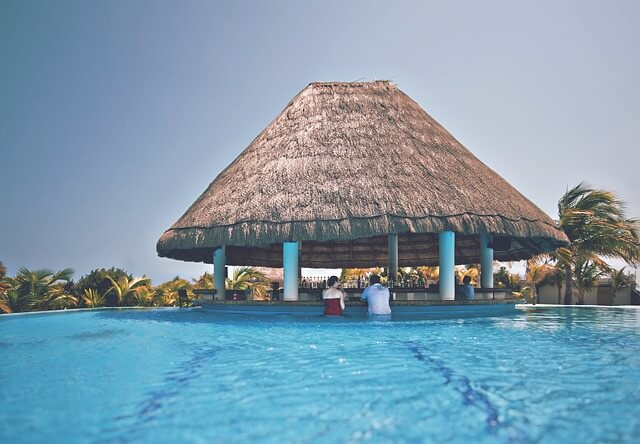 Luxury resort style Scottsdale pool